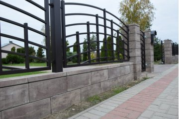 Польский бетонный  забор  2